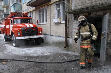 В Киеве на Подоле горела коммунальная квартира, пострадал жилец