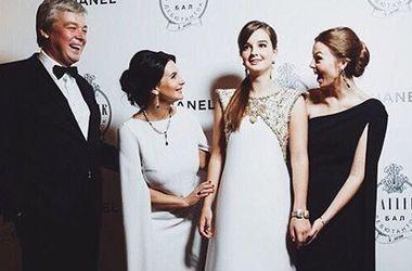 14-летняя дочь актеров Екатерины и Александра Стриженовых нашла отца своих будущих детей