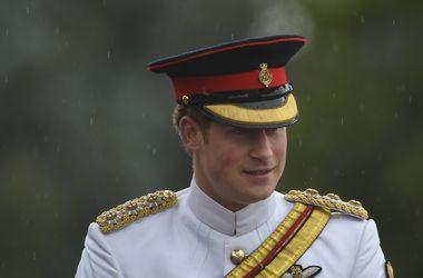 От принца Гарри беременна 19-летняя блондинка