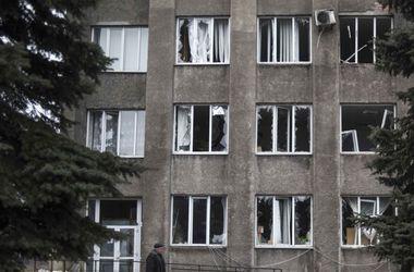 Под Донецком слышны мощные взрывы и стрельба из крупнокалиберных пулеметов