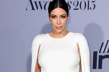 Беременная Ким Кардашьян вышла в свет в прозрачном наряде (фото)