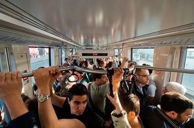 Ученые объяснили, чем полезно ездить на работу на общественном транспорте