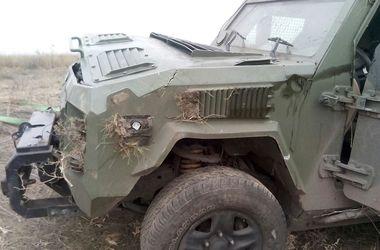 На Донбассе перевернулся броневик пограничников: есть погибшие и раненые