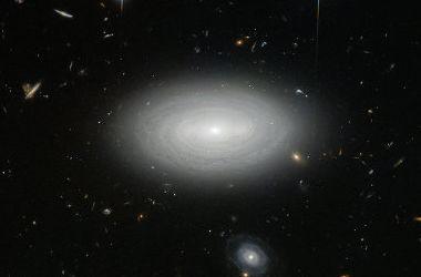 """""""Хаббл"""" сфотографировал самую одинокую галактику Вселенной"""