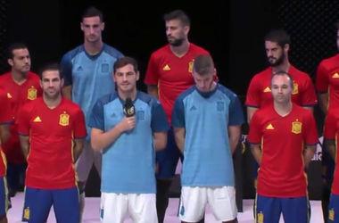 Испанцы показали форму, в которой будут играть на Евро-2016
