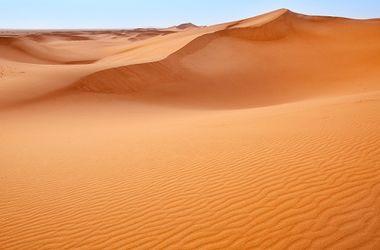 Под Сахарой нашли древнюю реку