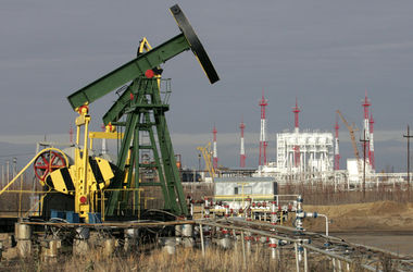 """Цены на нефть рухнули на двухмесячное """"дно"""""""