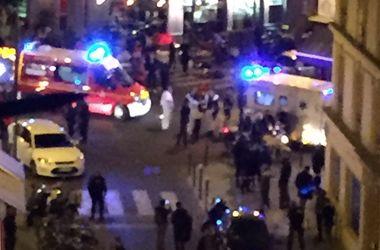 Президента Франции эвакуировали со стадиона, возле которого прозвучали взрывы