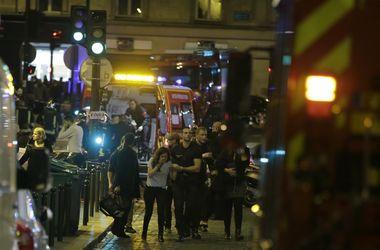 Взрывы и стрельба в Париже: погибли около 30 человек