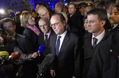 Олланд: Франция намерена дать безжалостный бой террористам
