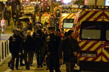 Жителям парижских кварталов, где произошли теракты, рекомендуют не выходить из домов