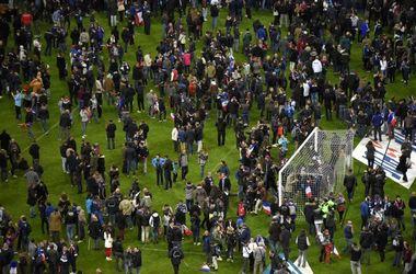 Болельщики на стадионе в Париже приняли теракты за взрыв петард