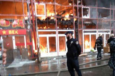 """Подробности масштабного пожара на рынке """"Барабашово"""": пострадала женщина"""