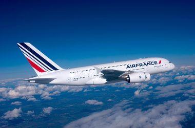 Французский самолет экстренно посадили в Амстердаме после угроз в Twitter