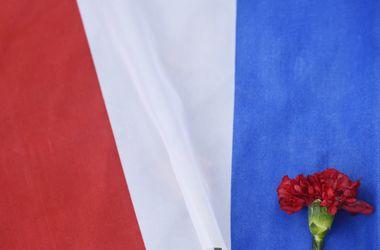 Франция находится в состоянии войны с террористами – премьер