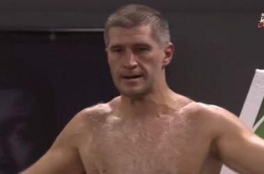 42-летний украинский боксер-неудачник победил в Москве 30-летнего супертяжеловеса