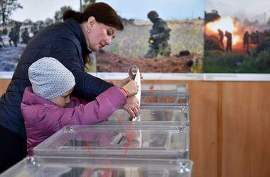 Избирательные участки в Кировограде и Краматорске открылись вовремя