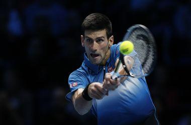 Джокович разгромил Нисикори в стартовом матче итогового турнира ATP