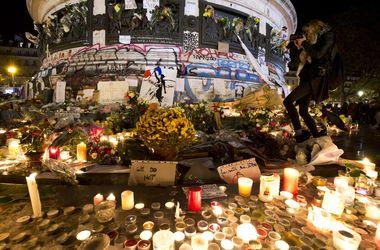 Украинцев среди жертв терактов в Париже нет, опознание продолжается – посол