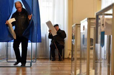 В Луцке на избирательном участке мужчина съел бюллетень