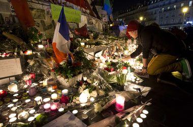 Заказчики терактов в Париже находятся в Сирии - глава МВД Франции