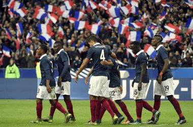"""Английских болельщиков призывают спеть """"Марсельезу"""" перед матчем с Францией"""