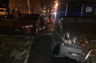 5 человек пострадали при столкновении автобуса и легковушки в Днепропетровске