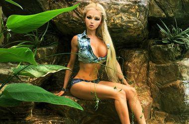 Одесская Барби устроила горячую фотосессию в белье