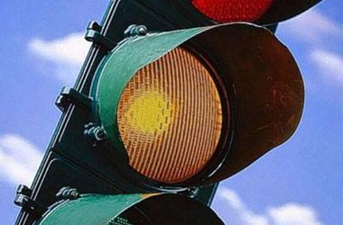 Умом Россию не понять: за ночь украли 9 светофоров