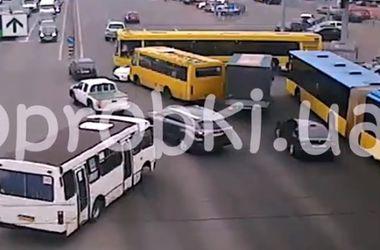 В Киеве произошла очередная авария с полицейской машиной