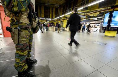 """Задержанные под Парижем террористы планировали атаковать аэропорт """"Шарль-де-Голль"""""""