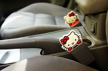 Названы самые полезные и бесполезные опции в новых авто