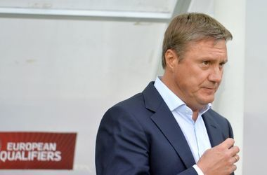 Тренер сборной Беларуси Хацкевич оштрафован в Киеве за неправильную парковку
