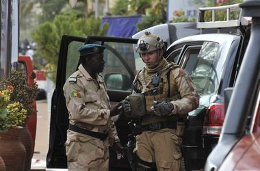 Власти Мали объявили режим ЧП из-за террористической атаки в столице