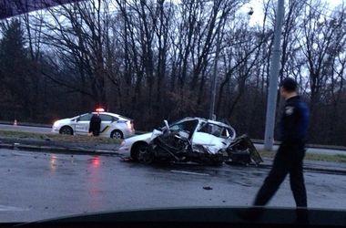 В Харькове машину разорвало пополам