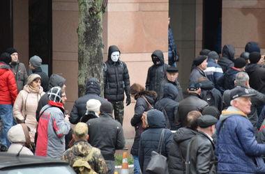 Неизвестные напали на офис СКМ в Киеве