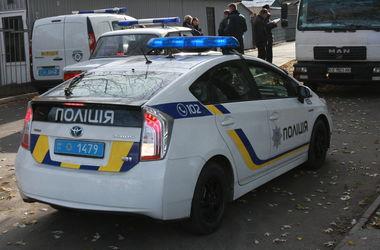Ночью в Киеве дерзко ограбили двоих парней