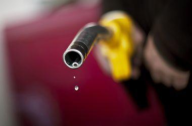 Украинцы стали сильно экономить на бензине