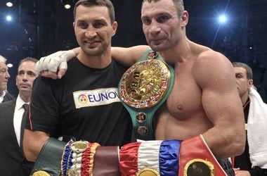 Старики-разбойники мирового бокса: Форман взял титул в 45, а Фрэйзер заканчивал карьеру слепым на один глаз
