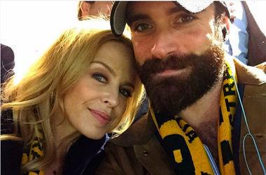 <p><span>47-летняя Кайли Миноуг с 27-летним актером Джошуа Сассом. Фото: Instagram</span></p>