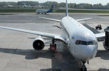 Российским самолетам запретили летать над Украиной: причины и последствия