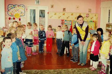 Психологи штаба Ахметова работают в детских садах на Донбассе