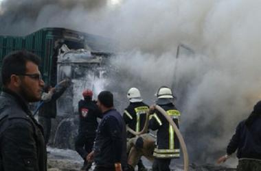 Авиация РФ разбомбила гумконвой на границе Турции и Сирии - СМИ