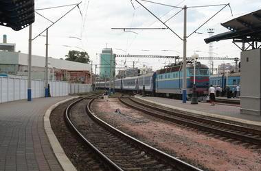 Под Киевом за сутки поезда убили трех человек