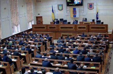 Одесские депутаты массово отказываются от мандатов