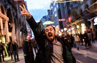 В Турции люди взбунтовались после убийства адвоката