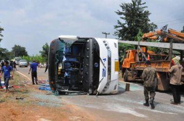 Пассажирский автобус в Таиланде попал в серьезное ДТП