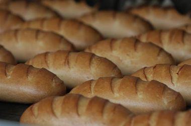 С сегодняшнего дня поднимаются цены на хлеб в Киеве
