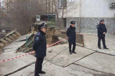 В Киеве полиция приехала на место обвалившегося дома