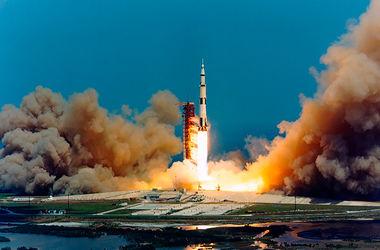 """Ракета """"Аполлон-16"""" продырявила Луну – ученые"""